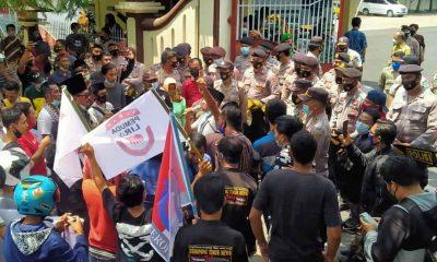 Tuntut Cabut Penghapusan TPP, Gabungan NGO dan ASN Luruk Kantor Bupati Pamekasan